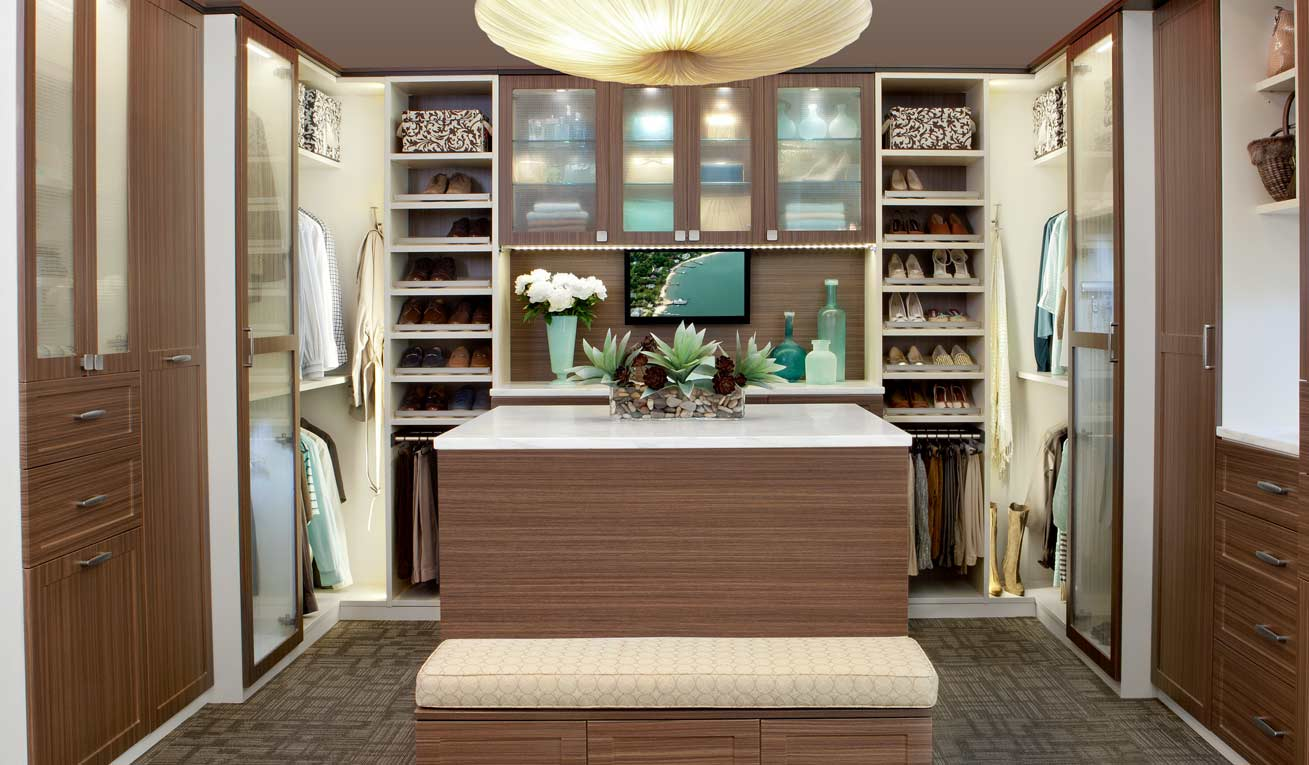 Custom closets transform for Transform small closet space