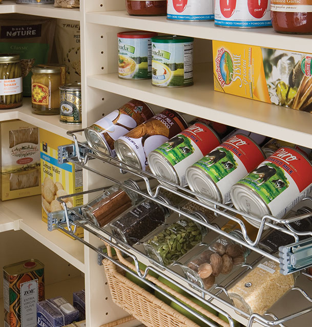 pantry-custom-storage-detail-pull-out