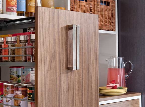 pull-out-pantry-detail